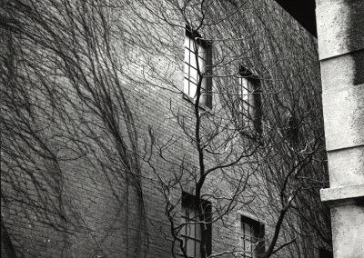 Sutton Place, 1945